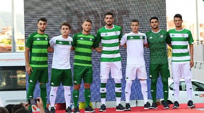 Bursaspor, yeni sezon formalarını tanıttı - Bursa Haberleri