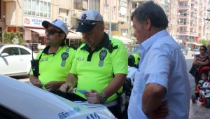 Ceza kesen polise tuhaf tepki: