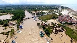 Düzce'yi sel felaketi vurdu! 4'ü çocuk 7 kişi kayıp