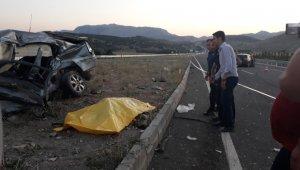 Feci trafik kazası! Karı koca kazada hayatını kaybetti, yakınlarını polis teselli etti