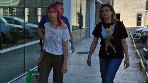 Genç kız, depozitoyu geri vermeyen ev sahibine dehşeti yaşattı