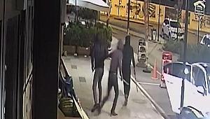 Kasa çalan hırsızlar, vatandaşları döner bıçağı ve sopalarla kovaladı