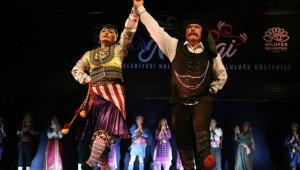 """Nilüfer Belediyesi Halk Dansları Topluluğu """"Nirengi"""" ile büyüledi - Bursa Haberleri"""