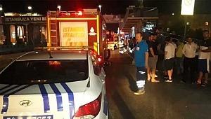 Sefaköy'de otomobil, otobüs durağına daldı: Çok sayıda yaralı var!