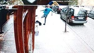"""Sokak ortasında dayak yiyen genç kız konuştu, """"Boğarak öldürücekti"""""""