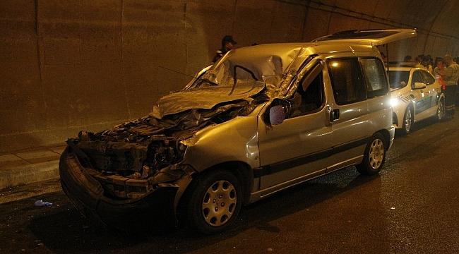 TIR'a arkadan çarpan aracın sürücüsü öldü - Bursa Haberleri