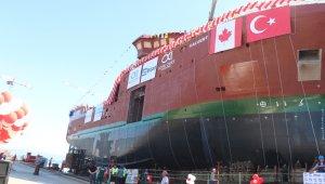 'Yüzen fabrika' olarak bilinen Türk yapımı dev gemi suya indi