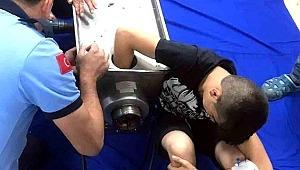 14 yaşındaki çocuk elini kıyma makinesine kaptırdı! Hastaneye makine ile getirildi
