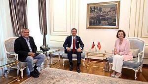 2. Abdülhamid'in torunu Zeynep Osman'dan Ekrem İmamoğlu'na övgü