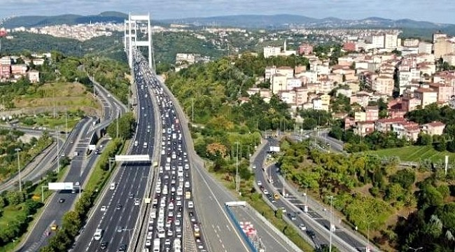 Kurban Bayramı tatili çilesi başladı! Trafikte yoğunluğu ulaşımı zorlaştırıyor