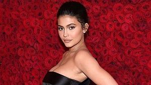 Kylie Jenner, 22. yaşını 250 milyon dolarlık yatta kutladı