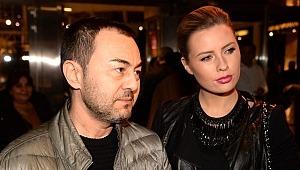 Serdar'dan boşanan Chloe, annesiyle tatile çıktı