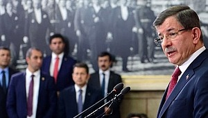 Yeni parti kuracağı iddia edilen Ahmet Davutoğlu'dan açıklama: 'Çalışmaya başladık'