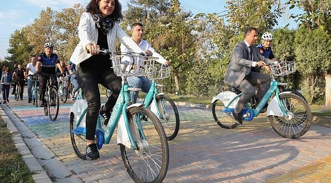 Belediye personeli, çevreci ulaşıma dikkat çekmek için pedal çevirip yürüdü - Bursa Haberleri