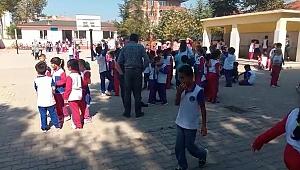 Bursa'da da okullar boşaltıldı, veliler okullara koştu - Bursa Haberleri