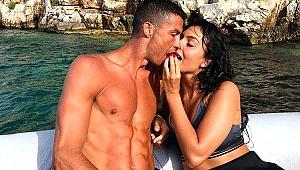 Cristiano Ronaldo'dan evlilik sinyali