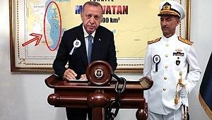Cumhurbaşkanı Erdoğan'ın fotoğrafından Yunan Bakan rahatsız olmuş