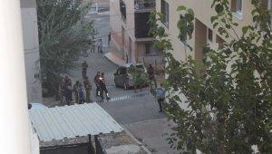 İzmir'de iki grup arasındaki kavga ortalığı karıştırdı