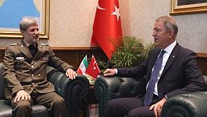Milli Savunma Bakanı Hulusi Akar'dan kritik görüşme