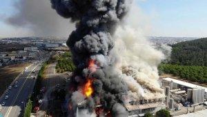 Polyester fabrikasında yangın