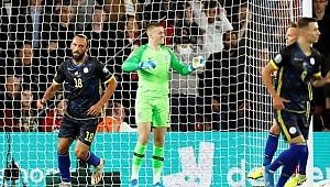 Vedat Muriç, İngiltere karşısında şov yaptı