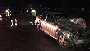 Yolcu minibüsü ile otomobil çarpıştı: 14 kişi yaralandı
