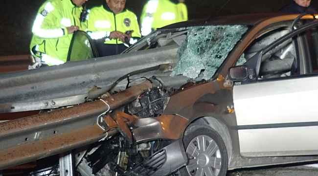 Aşırı hız ölüm getirdi, kafasına bariyer saplandı - Bursa Haberleri