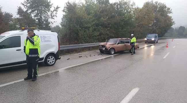 Bursa'da yağmurla gelen zincirleme kaza: 3 yaralı - Bursa Haberleri