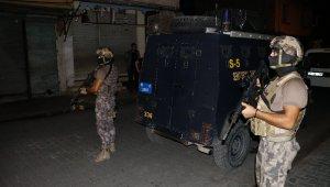 Dev çete operasyonunda cezaevi müdürü ve polis de gözaltına alındı