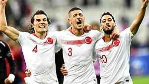 Dünya devi Millilerin peşine düştü... 3 yıldız aynı takımda oynayabilir