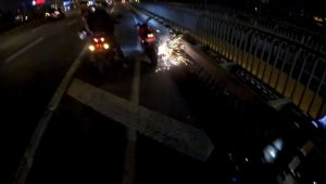 E-5 karayolunda motosikletli gencin trafikte attığı torpil otobüsün altında patladı