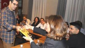 Enver Aysever ile 'yazı akademisi'nin ilk dönemi başladı - Bursa Haberleri
