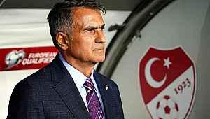 Fenerbahçeli taraftarlardan Şenol Güneş'e kravat tepkisi