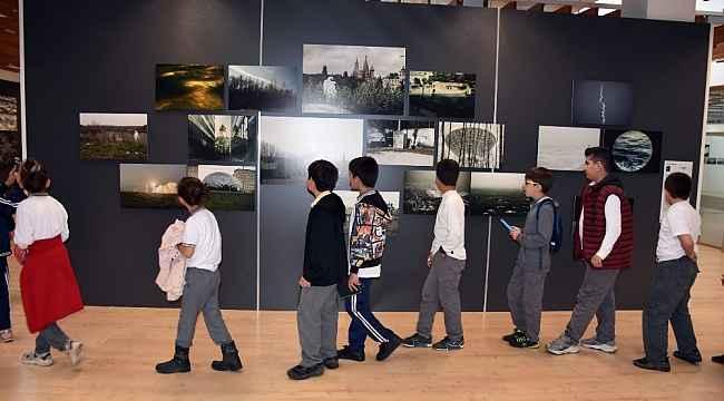Foto Fest'e öğrenciler çıkarma yaptı - Bursa Haberleri