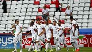 Gençlerbirliği deplasmanda Antalya'yı 6-0 mağlup etti