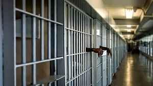 İnfaz indirimi düzenlemesi AK Parti'nin gündeminde