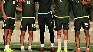 İran(da skandal karar... Türkiye'ye destek veren iki futbolcuyu, futboldan men etti