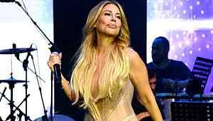 Linet, konserinde yaptığı kalça dansıyla izleyenleri mest etti