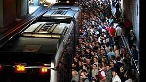 Metrobüsten günlük 450 bin dolar gelir elde ediliyor