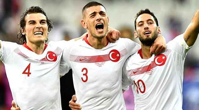 Milan'ın hocasından Çalhanoğlu açıklaması,
