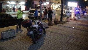Otomobiline çarpan motosiklet sürücüsünü darp edip kaçtı - Bursa Haberleri
