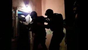 PKK'ya katılım sağlamaya çalışan şahıslar polis engeline takıldı