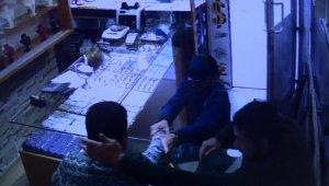 Sultangazi'de kuyumcuda yaşanan dehşet anları