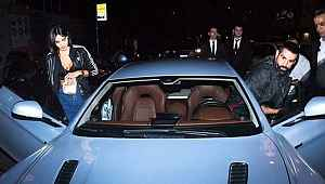 Volkan Demirel, yeni arabasıyla bakışları üstüne topladı