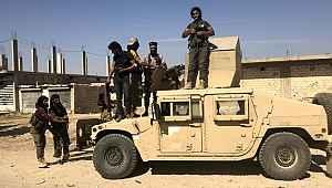 YPG/PKKlı Teröristler ABD'nin verdiği milyonluk araçları ve silahları bırakıp kaçtı