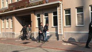 3 asırlık Osmanlı hamamında define arayan 8 şüpheli yakalandı