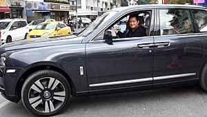 7,5 Milyon TL değerindeki araba ile görüntülenen Acun, muhabirleri uyardı: 'Benim değil'