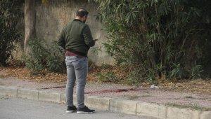 Adana'da boğazından bıçaklanmış kadın bulundu