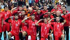 AEK, Mehmetçik'e destek veren ismin sözleşmesini feshetti!