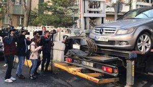 Bakırköy'de ölen aileye ait olduğu iddia edilen araç emniyet otoparkına çekildi